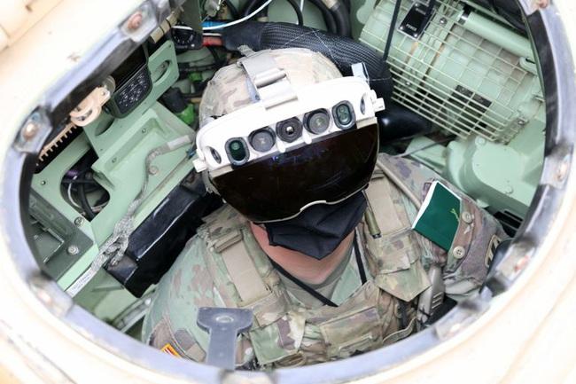 """'Siêu kính bảo hộ"""" của bộ binh Mỹ khiến giới quân sự các nước khiếp đảm khi nhìn xuyên xe bọc thép  - Ảnh 1."""