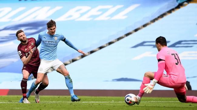 """Man City thua sốc, Pep Guardiola bái phục thầy """"Phù thủy"""" Bielsa - Ảnh 1."""