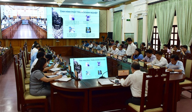 Chủ tịch TT-Huế: Phát triển bền vững, tăng thu nhập người dân để tỉnh sớm trở thành thành phố trực thuộc T.Ư  - Ảnh 2.