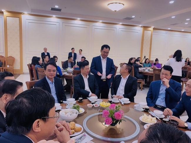 """Lãnh đạo tỉnh Thái Nguyên lần đầu tổ chức bàn tròn  """"Trà - Cà phê doanh nhân"""" - Ảnh 3."""
