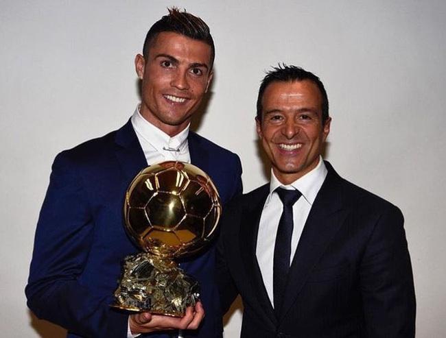 Mendes nổi tiếng khắp thế giới nhờ Ronaldo.