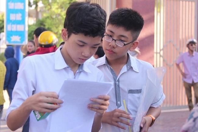 """Hà Nội cho phép đổi khu vực tuyển sinh: Đến bao giờ phụ huynh, học sinh mới hết phải """"chơi sổ số""""? - Ảnh 1."""