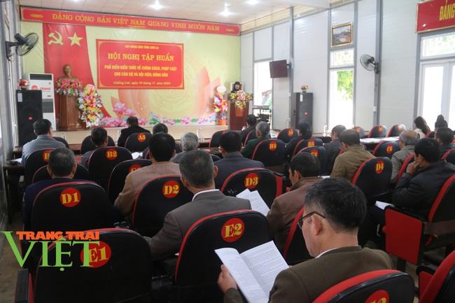 Hội Nông dân tỉnh Sơn La: Vận động hội viên góp hàng chục nghìn ngày công XDNTM  - Ảnh 2.