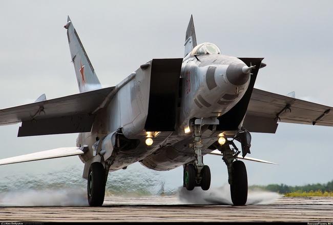 """Mệnh danh """"Vua Tốc Độ"""", chiến đấu cơ MiG-25 Liên Xô nhanh đến mức nào? - Ảnh 1."""