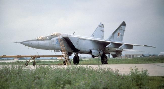 """Mệnh danh """"Vua Tốc Độ"""", chiến đấu cơ MiG-25 Liên Xô nhanh đến mức nào? - Ảnh 2."""