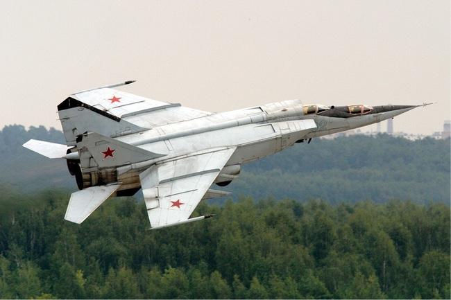 """Mệnh danh """"Vua Tốc Độ"""", chiến đấu cơ MiG-25 Liên Xô nhanh đến mức nào? - Ảnh 3."""