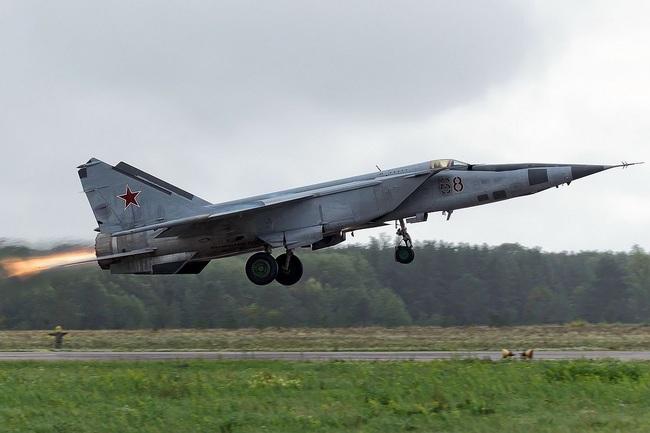 """Mệnh danh """"Vua Tốc Độ"""", chiến đấu cơ MiG-25 Liên Xô nhanh đến mức nào? - Ảnh 8."""