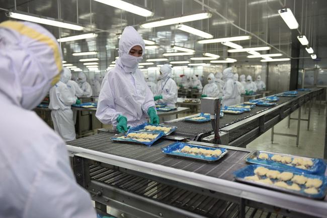 """Hướng đến kim ngạch xuất khẩu 4 tỷ USD, cổ phiếu doanh nghiệp tôm """"sáng"""" nhất ngành thủy sản - Ảnh 1."""