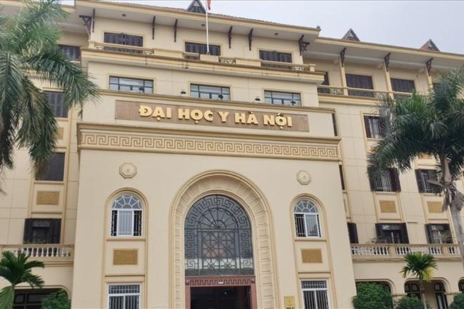 Các trường đại học tốp đầu ở Hà Nội công bố học phí năm 2021: Nhiều trường tăng học phí  - Ảnh 1.
