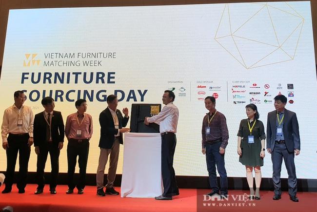 Thứ trưởng Bộ NNPTNT Hà Công Tuấn chỉ ra 3 lý do ngành gỗ VN tăng trưởng bất chấp đại dịch - Ảnh 1.