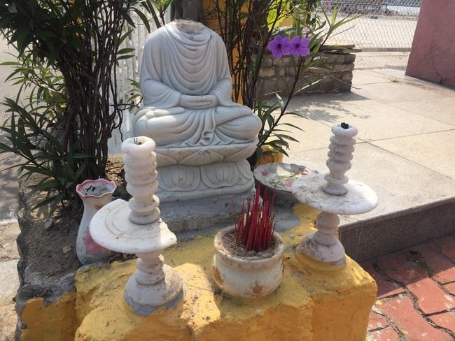 Bức xúc hình ảnh ngôi miếu giữa trung tâm Đà Nẵng nhiều lần bị đập phá  - Ảnh 1.