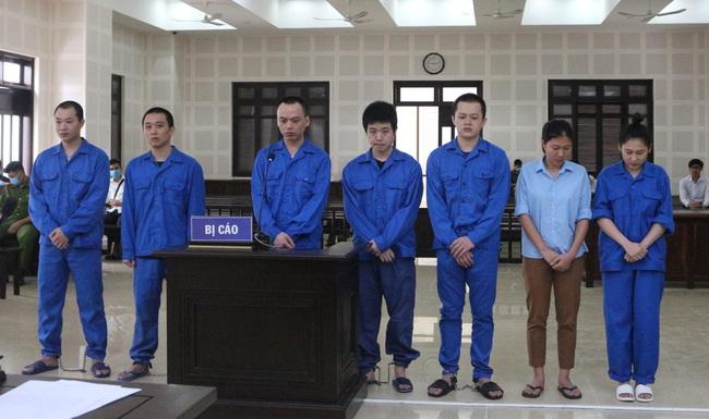 """36 năm tù cho nhóm đối tượng tổ chức đưa 14 người Trung Quốc nhập cảnh lậu, ở """"chui"""" tại khách sạn - Ảnh 1."""