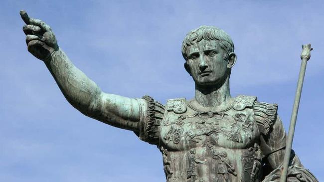 10 vua chúa tàn độc nhất lịch sử nhân loại - Ảnh 2.