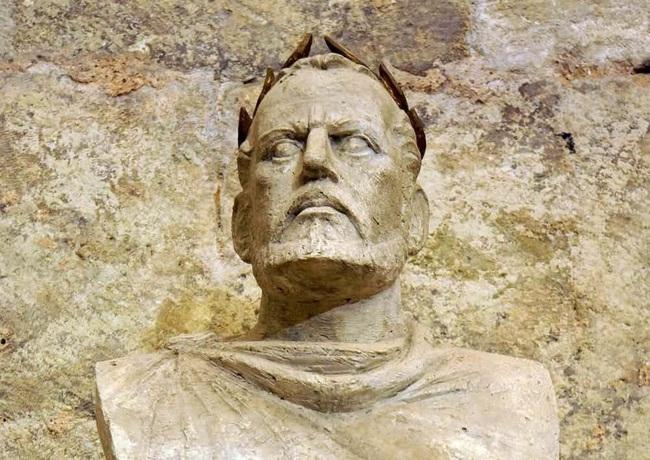 10 vua chúa tàn độc nhất lịch sử nhân loại - Ảnh 6.