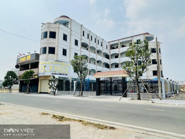 Căn nhà 5 tầng xây dựng trái phép trên đất chưa được cấp sổ đỏ - Ảnh 2.