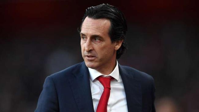 Emery ca thán bị Arsenal sa thải sớm.