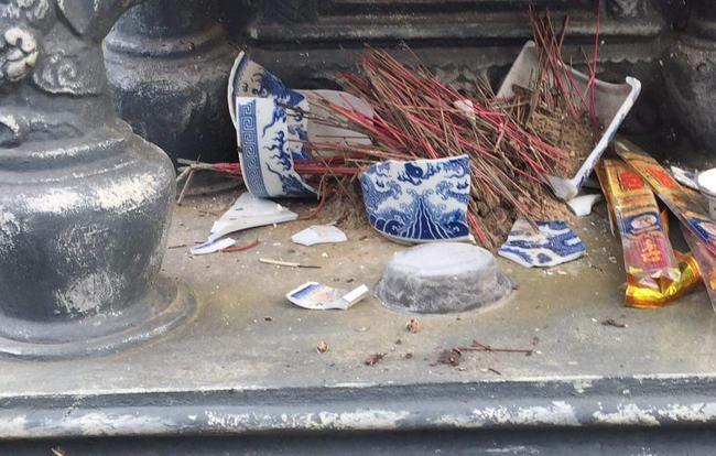 Vụ đập phá mộ ở Hải Phòng: Kẻ xấu tiếp tục đập phá mộ của người dân - Ảnh 1.