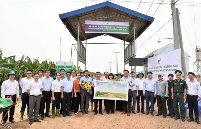 Tân Bộ trưởng Bộ NN&PTNT Lê Minh Hoan đến thăm Nông trường Thành Long tại tỉnh Tây Ninh - Ảnh 3.