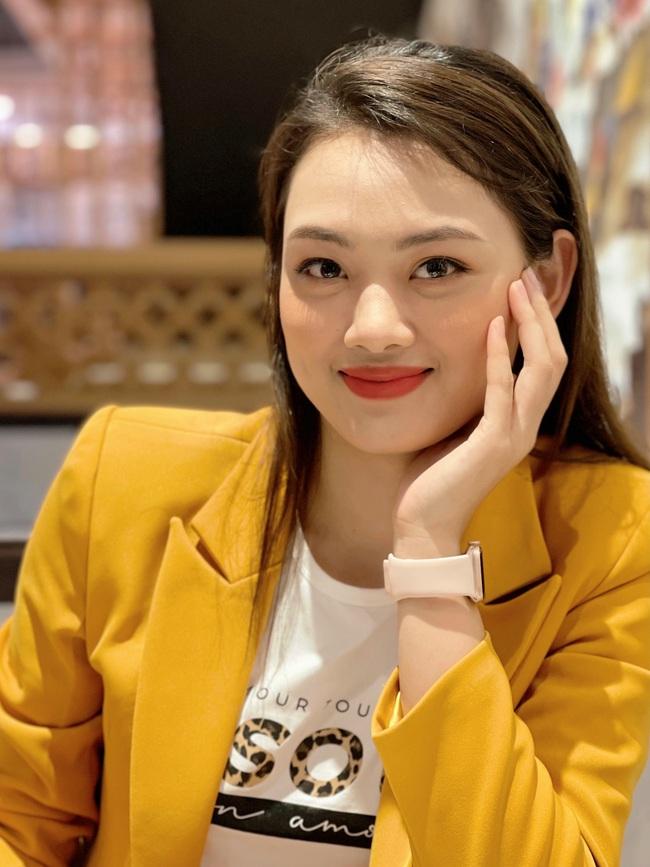 """Hoa khôi bóng chuyền Nguyễn Thu Hoài """"bắn"""" tiếng Anh như gió - Ảnh 3."""