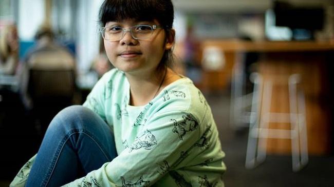 """Vào đại học năm 13 tuổi, cô bé """"thần đồng"""" người Việt có nguy cơ bị trục xuất vì... quá giỏi - Ảnh 1."""