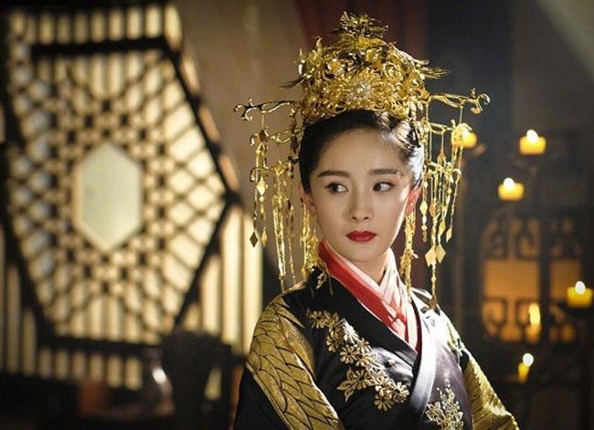 """Vị Hoàng đế duy nhất bị vợ cho ăn """"bạt tai"""" vì dám bênh phi tần nói xấu mình - Ảnh 1."""