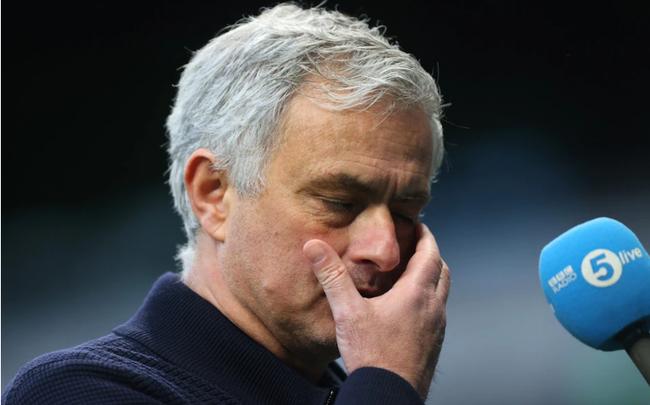Mourinho trái ý ban lãnh đạo Tottenham.