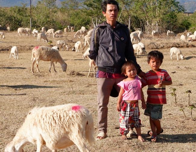 Đời du mục trên thảo nguyên (bài 3): Chuyện gia đình 20 năm chăn cừu  - Ảnh 1.