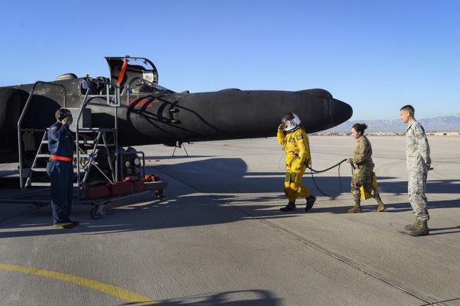 Ở độ cao 24.000 mét, phi công máy bay U-2 của Mỹ nguy hiểm thế nào? - Ảnh 10.