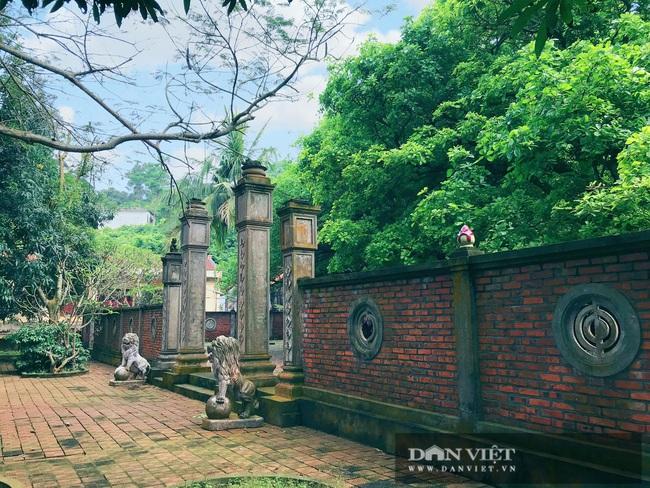 Nghệ An: Ngỡ ngàng trước vẻ đẹp của ngôi chùa cổ 800 năm tuổi nằm trên một hòn đảo ở Cửa Lò - Ảnh 3.
