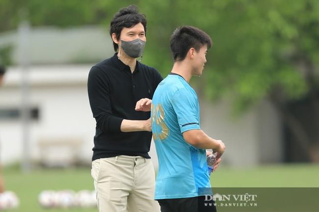 CLB Hà Nội bổ nhiệm HLV Park Choong-kyun - Ảnh 4.