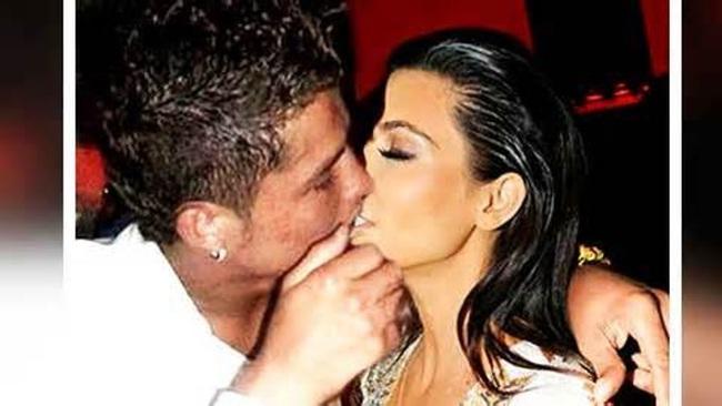 Ronaldo và Kardashian từng bị bắt gặp khi đang ân ái.