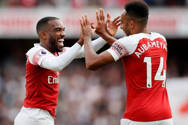 Arsenal chỉ còn cạnh tranh danh hiệu ở Europa League.
