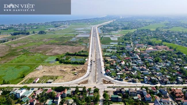 Cận cảnh tuyến đường ven biển hơn 1.400 tỷ ở Sầm Sơn đang gấp rút hoàn thiện - Ảnh 2.