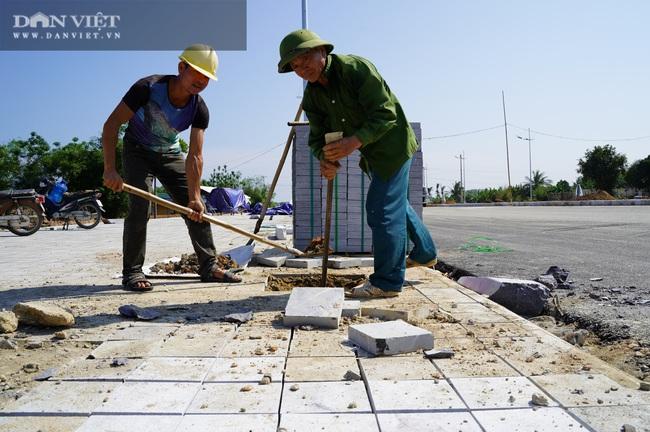 Cận cảnh tuyến đường ven biển hơn 1.400 tỷ ở Sầm Sơn đang gấp rút hoàn thiện - Ảnh 4.