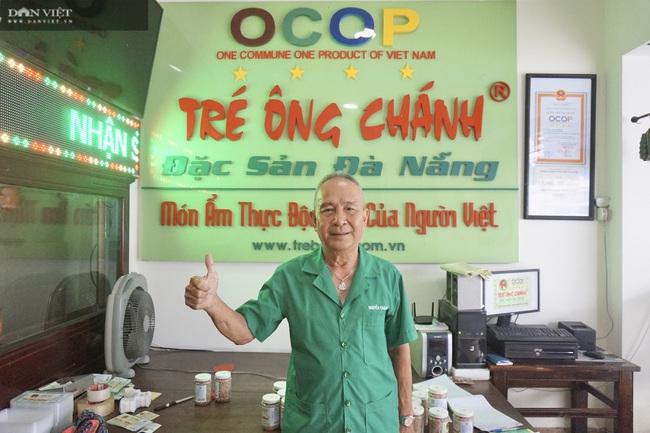 """Học nghề từ bố vợ, U70 Đà thành đưa đặc sản Tré Ông Chánh """"bay"""" khắp bốn phương - Ảnh 1."""