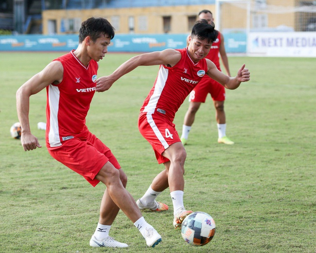 """Góc khuất bóng đá Việt Nam: """"Cò"""", """"quản lý"""" và """"đại diện cầu thủ"""" khác nhau ra sao? - Ảnh 5."""