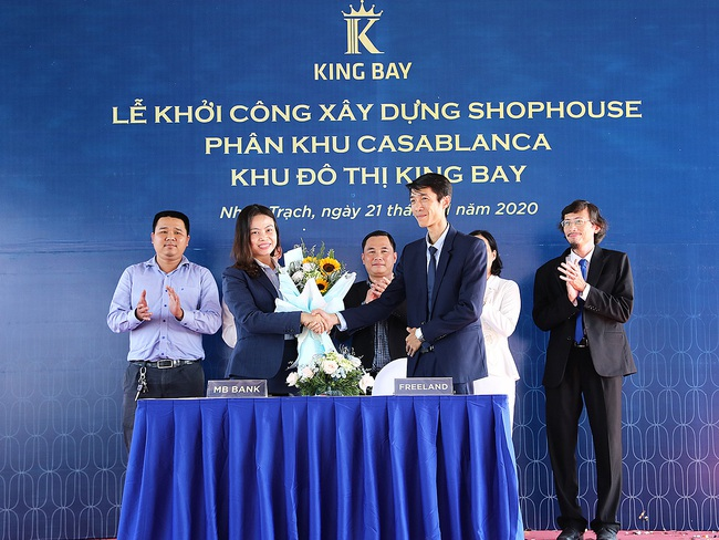 Chủ đầu tư dự án King Bay bị phong toả tài khoản, ngân hàng bất ngờ huỷ bảo lãnh - Ảnh 2.