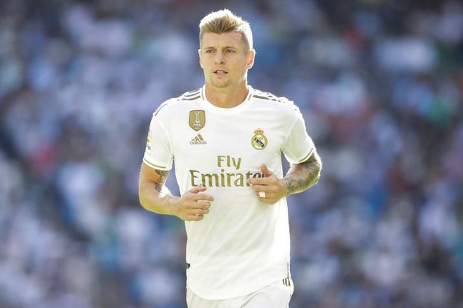 Kroos vẫn là tiền vệ khó thay thế ở Real Madrid.