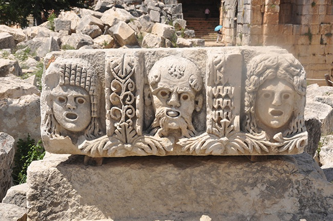 Điểm đến nổi tiếng Thổ Nhĩ Kỳ với hai nghĩa địa mộ đá cổ độc lạ - Ảnh 8.