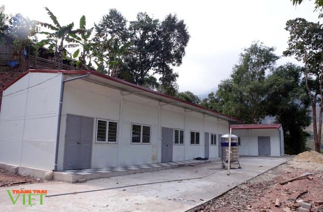 Anh nông dân nghèo tự nguyện hiến đất xây điểm trường - Ảnh 1.