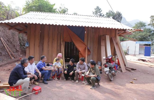Anh nông dân nghèo tự nguyện hiến đất xây điểm trường - Ảnh 2.