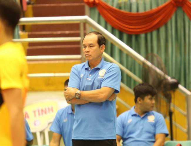 4 ứng viên thay HLV Li Huan Ning dẫn dắt ĐT bóng chuyền nam Việt Nam - Ảnh 3.