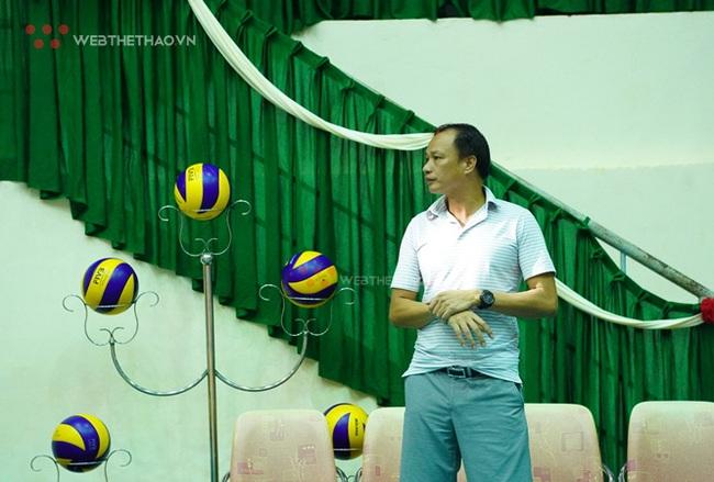 4 ứng viên thay HLV Li Huan Ning dẫn dắt ĐT bóng chuyền nam Việt Nam - Ảnh 2.