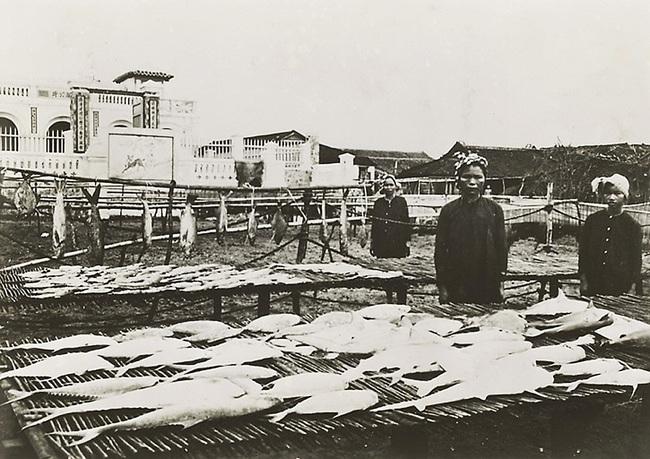 Xứ Nam Kỳ giai đoạn 1921 - 1935 qua ảnh của Leon Busy - Ảnh 1.