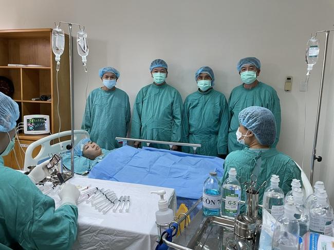 Bệnh nhân mắc ung thư ác tính được điều trị thành công bằng ghép tế bào gốc tạo máu tự thân  - Ảnh 3.