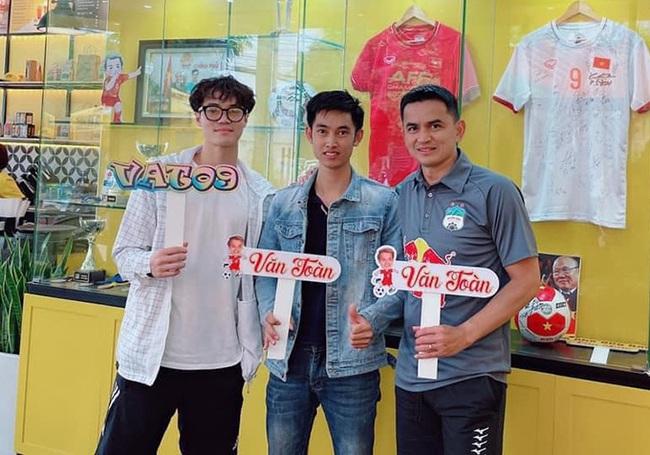 Tiền đạo Nguyễn Văn Toàn mở rộng hoạt động kinh doanh - Ảnh 1.