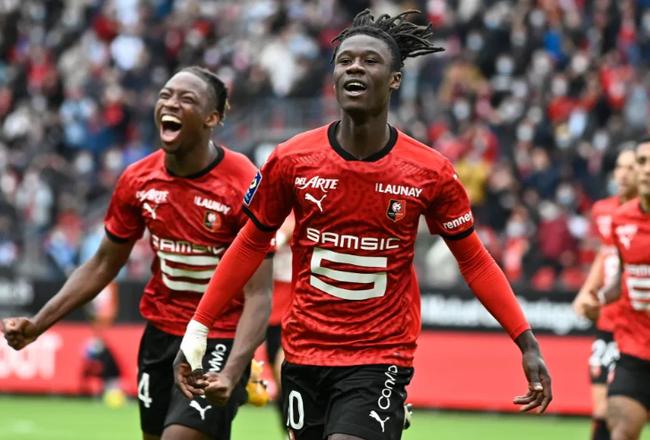Ansu Fati và 10 tài năng trẻ kiệt xuất của bóng đá thế giới - Ảnh 9.