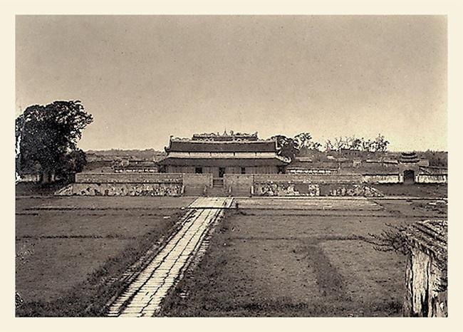 Ảnh lịch sử vô giá về điện Kính Thiên ở Hoàng thành Hà Nội - Ảnh 1.