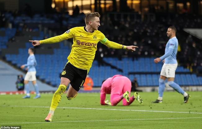Reus mang về hy vọng đi tiếp cho Dortmund.