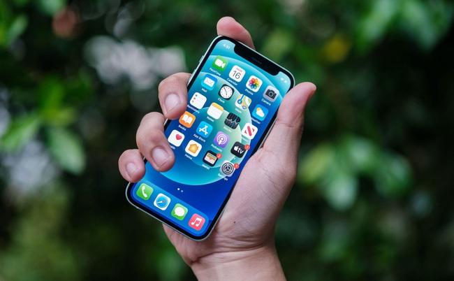Giá iPhone bất ngờ giảm mạnh đầu tháng 4 - Ảnh 2.